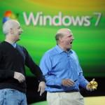 Steven Sinofsky (links) neben Microsoft-Chef Steve Ballmer. Bild: KEYSTONE/AP